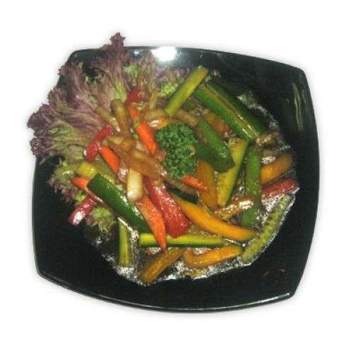 Морковь и соевый соус в салат