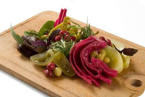 Закуски из маринованных овощей фото