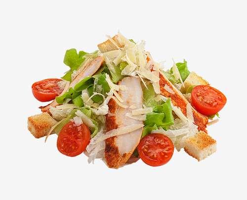 Салат цезарь с курицей и помидорами сыром