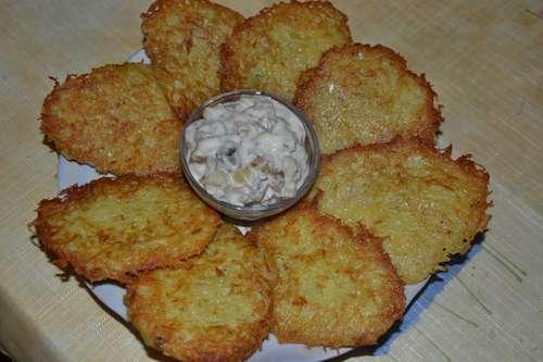 Драники с грибным соусом рецепт с фото