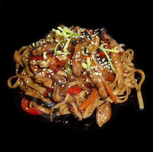 Лапша удон со свининой и овощами рецепт пошагово