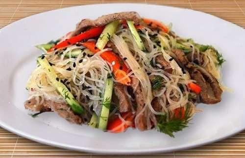 Салат с говядиной и фунчозой рецепт с