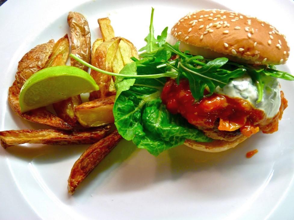 Доставка аппетитных бургеров в Пенза на заказ