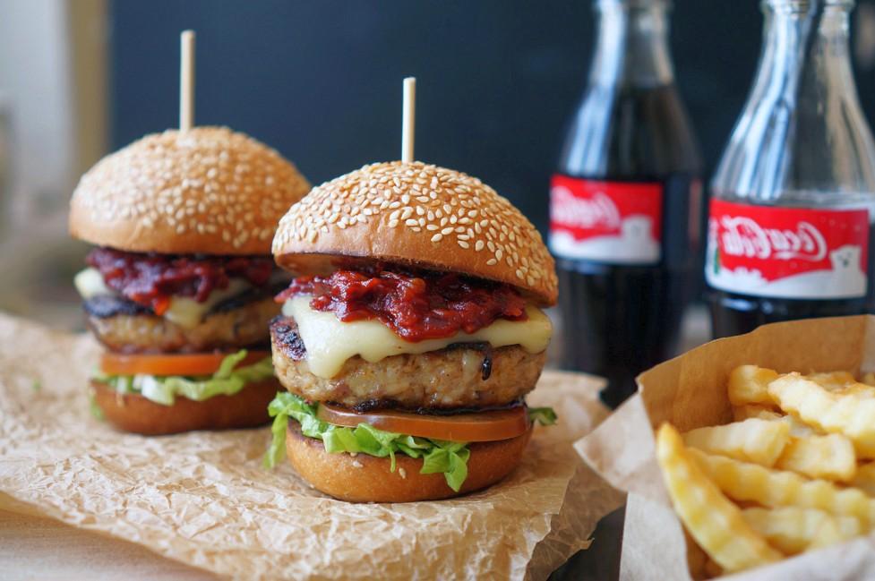 Доставка аппетитных бургеров в Истра на заказ