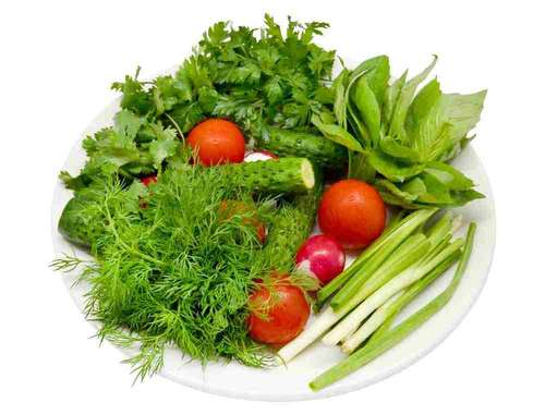 Картинки помидор огурец и лук зеленый на тарелке